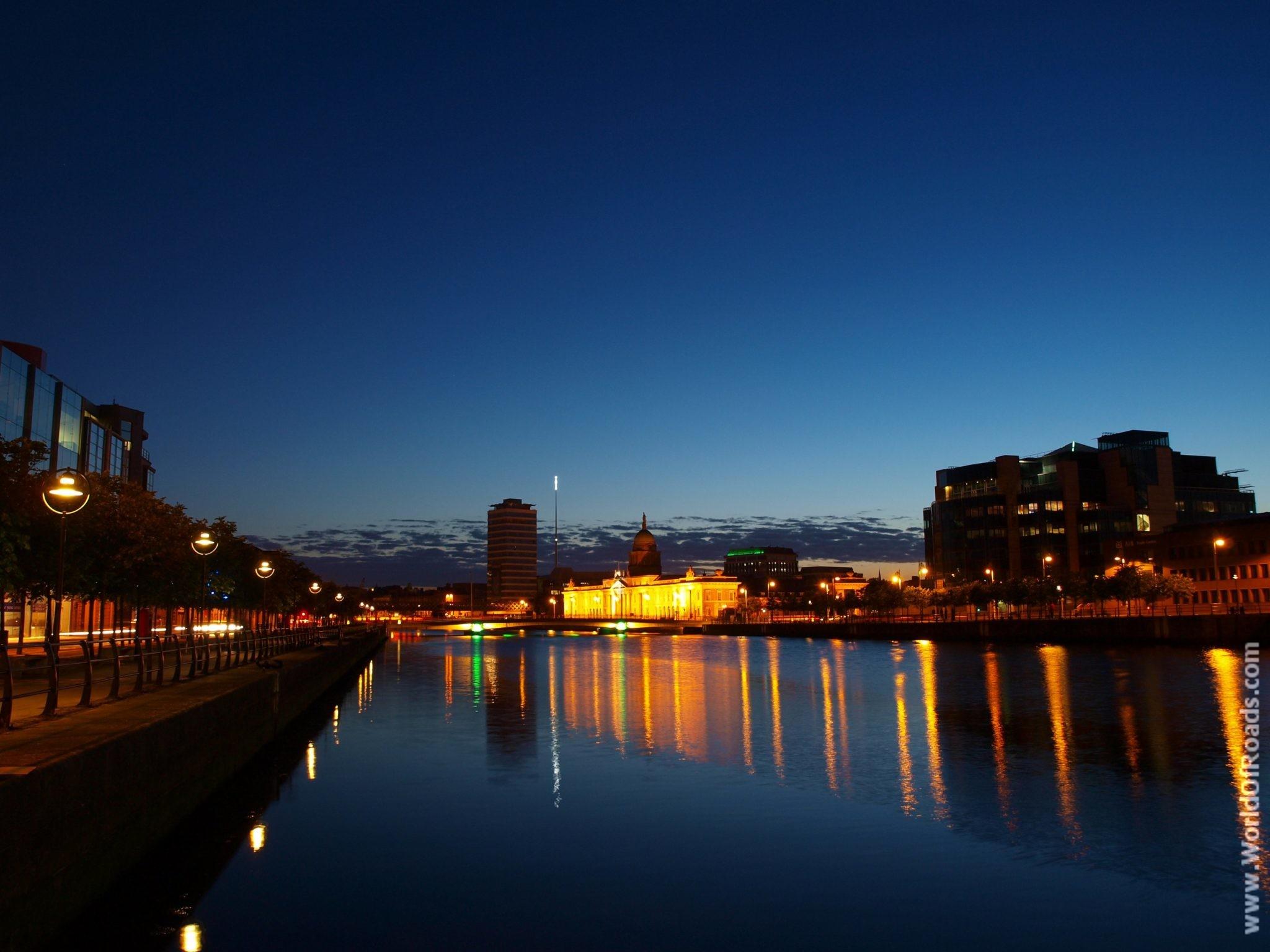 Огни вечернего Дублина. Ирландия.