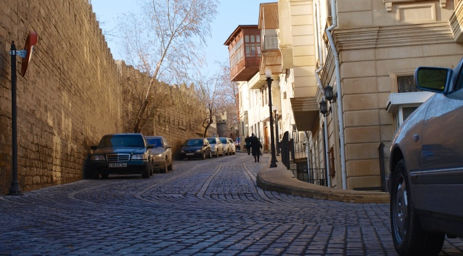 Старая крепость Баку и Девичья Башня