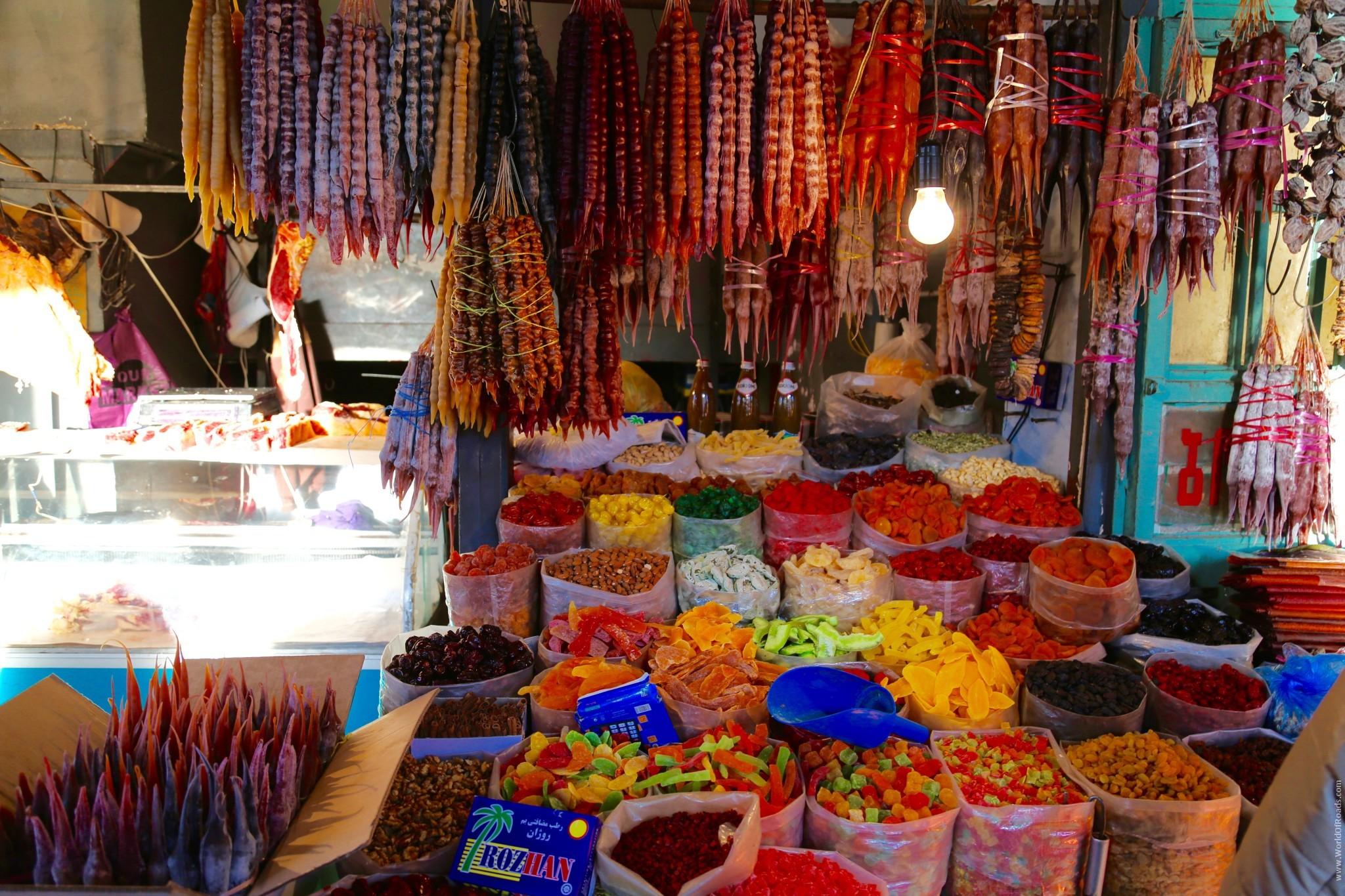 Тбилиси. Центральный рынок. Сухофрукты.