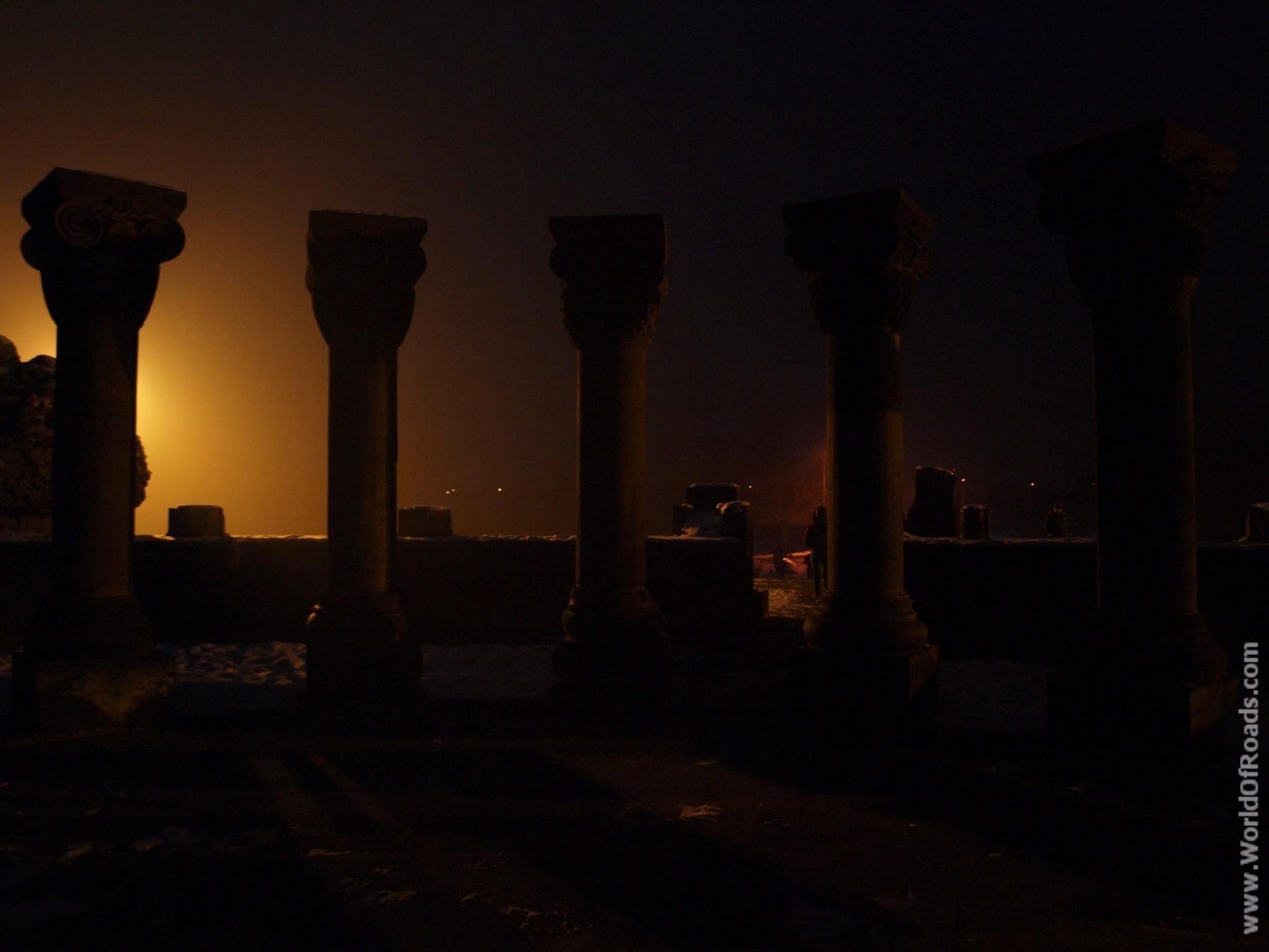 Один из самых известных храмов Армении - Звартноц