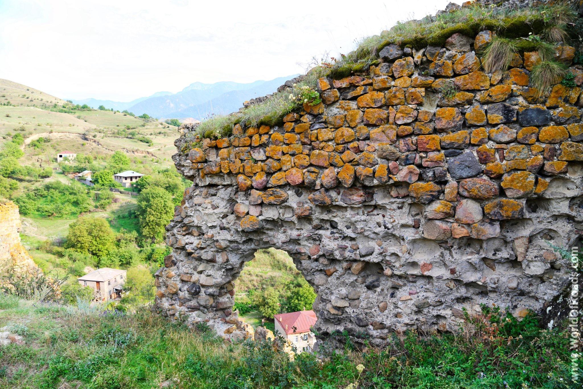 Ацкурская Крепость. Стена.